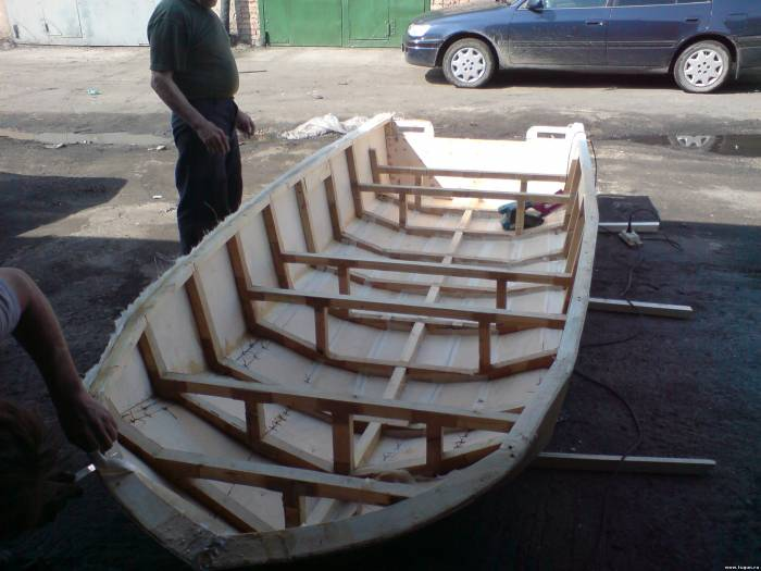 Лодка из пенопласта с моторчиком своими руками