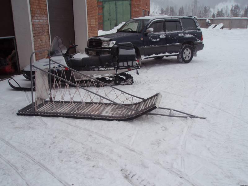 Как сделать из саней снегохода